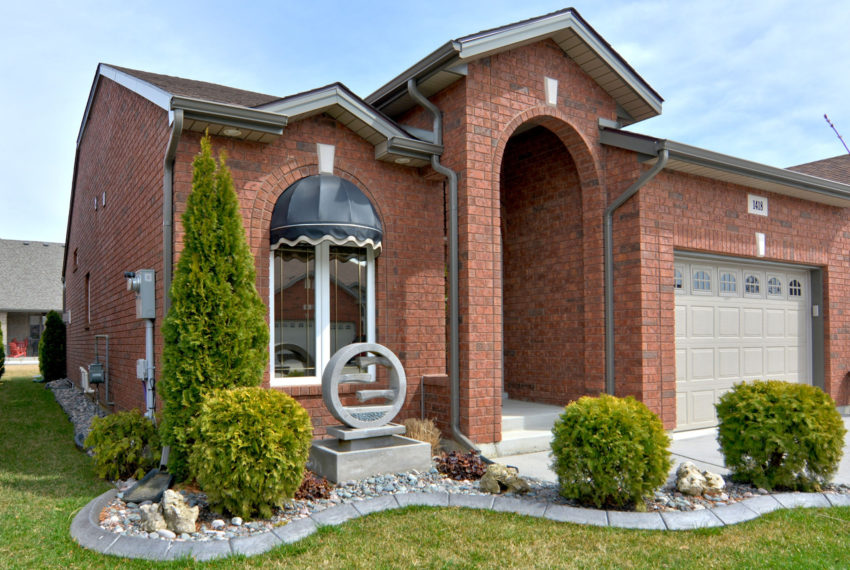 2.5 Bedroom Townhome for sale in Windsor, Ontario