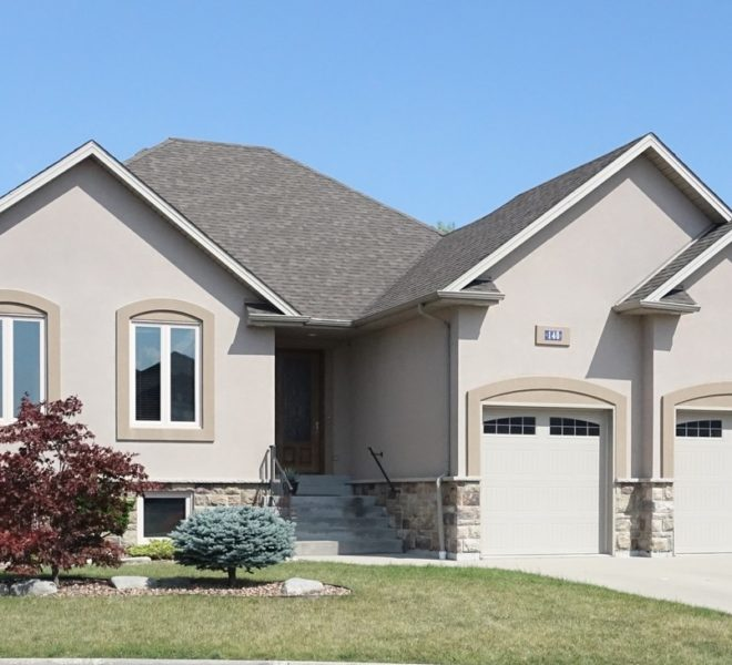 Detached Home for Sale in Lakeshore Ontario