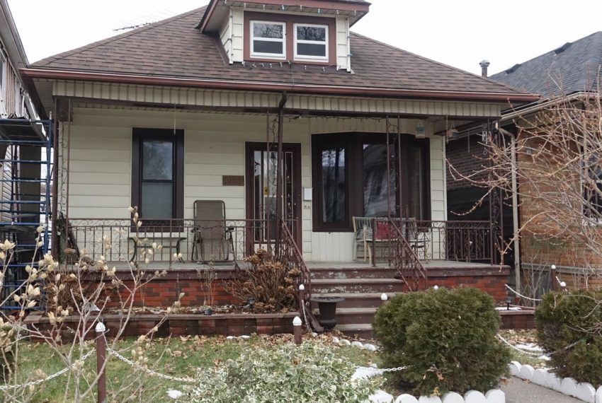 1033 Lincoln Ave - Windsor Ontario Home for Sale
