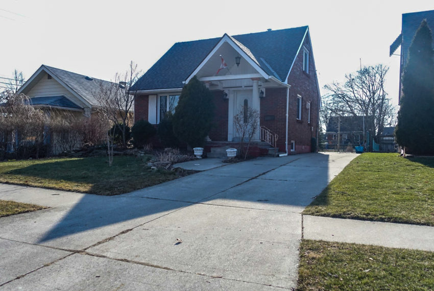 1087 Glidden Ave Home For Sale